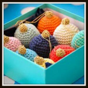 Crocheted-Chrsitmas-Baubles